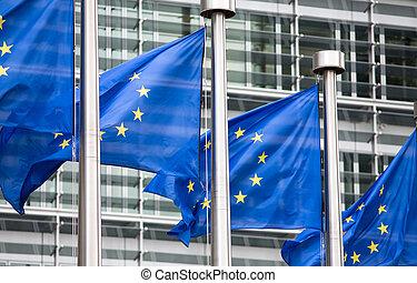 bâtiment, devant, eu, berlaymont, drapeaux
