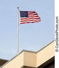 bâtiment, drapeau américain, sommet