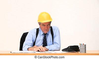 bâtiment, fonctionnement, homme affaires, projet, personnes agées