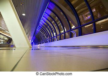 bâtiment, grand-angulaire, fenetres, grand, moderne, long, au-dessous, foreshortening, couloir, nuit