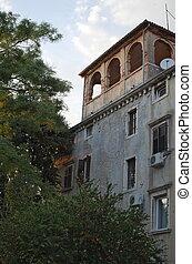 bâtiment, méditerranéen, étage