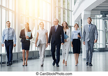 bâtiment, marche, bureau affaires, gens, long