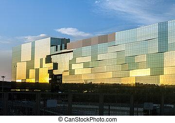 bâtiment, moderne, coucher soleil