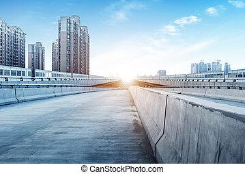 bâtiment moderne, ponts