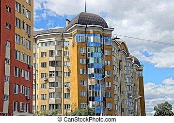 bâtiment, nuages, fenetres, ciel, balcons, contre, partie, multistory