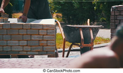 bâtiment, réparation, pierre, ville, processus, parc, sidewalk., site, construction, pavage, ouvrier, pose