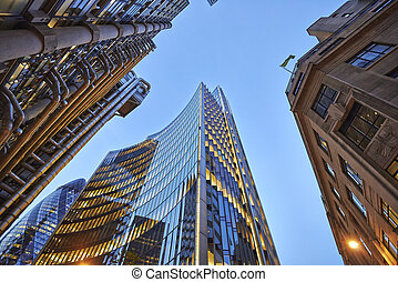 bâtiments, soir, bureau, fond, ciel, commercial, exterior., vue
