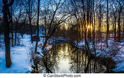 bäck,  över,  abbottstown, Snö, skog, solnedgång, höjande,  Pennsylvania