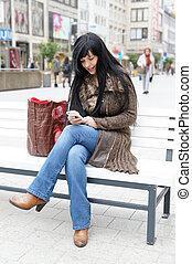 bänk, kvinna handling, gata, sittande