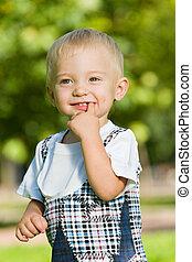 bébé, été, parc, curieux, garçon