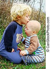 bébé, baisers, frère, enfant