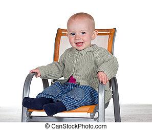 bébé, chaise haute, sourire heureux