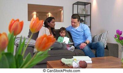 bébé, couple, livre, lecture, enfant
