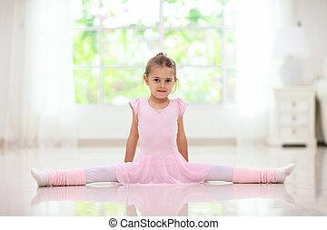 bébé, danse, girl, peu, ballet., ballerine, class.