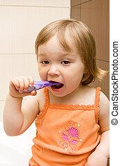 bébé, dents nettoyage