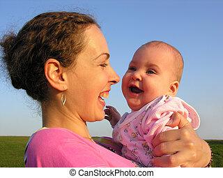 bébé, faces, mère