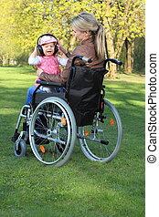 bébé, fauteuil roulant, mère