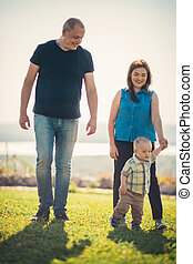 bébé, herbe, vert, famille, heureux