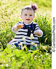 bébé, herbe, vert