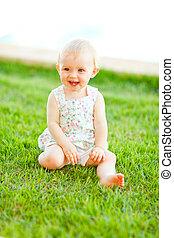bébé, heureux, herbe, séance