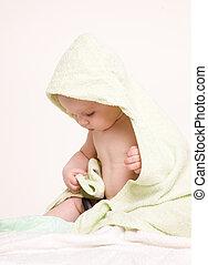 bébé, heureux, towel., vert