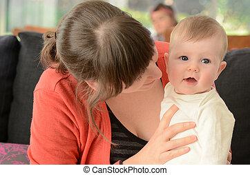 bébé, jeu, elle, mère