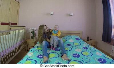 bébé, jeu, rire, mère