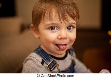 bébé, langue, sien, adorable, dehors