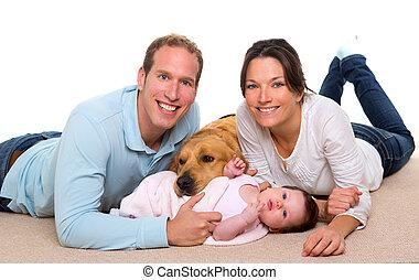 bébé, mère père, famille heureuse, et, chien