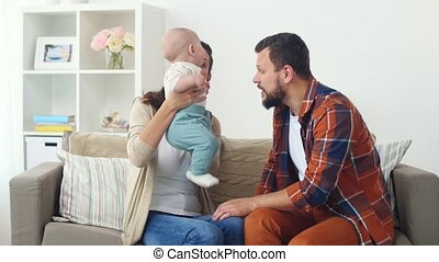bébé, maison, famille, heureux