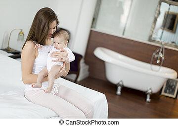 bébé, maison, heureux, mère