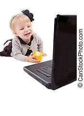 bébé, ordinateur portable, isolé, fille souriant