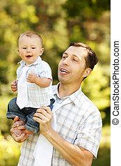 bébé, père, mains