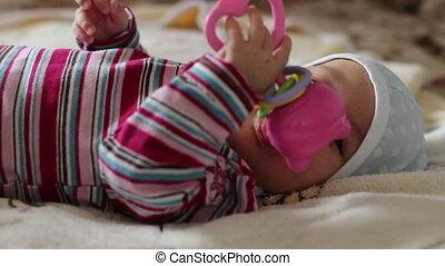 bébé, peu, jouet, jouer