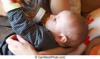 bébé, peu, manger