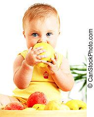 bébé, peu, pomme mangeant