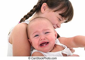 bébé pleure, enfant