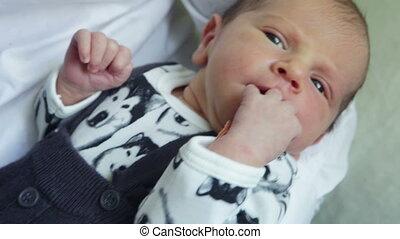bébé, sien, père, main