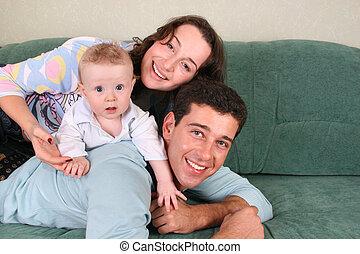 bébé, sofa, 3, famille