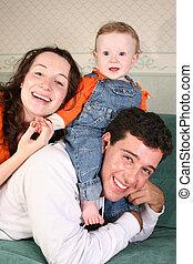 bébé, sofa, famille