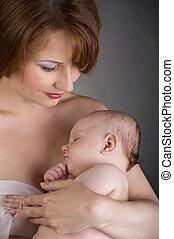 bébé, sommeil, bras, mère