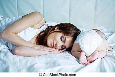 bébé, sommeil, mère