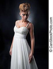 békés, fiatal, menyasszony, alatt, esküvő öltözködik, feltevő