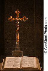 bíblia, crucifixos