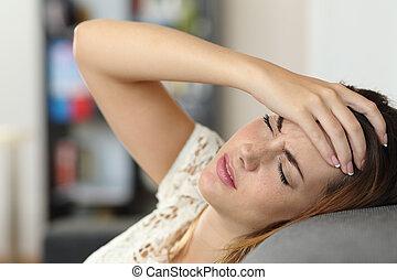 ból głowy, kobieta, gospodyni, leżanka