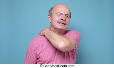 ból, krzywda, człowiek, senior, szyja
