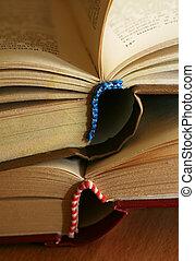 böcker, två
