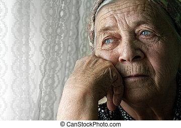 bús, elhagyott, gondolkodó, öreg, senior woman