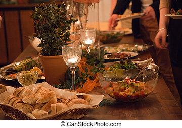 büffet, tisch, an, a, luxus, ereignis, spannweite, mit, a, vielfalt, von, kalte , fleisch, servierplatten