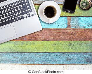 büroschreibtisch, stellen laptop computer zurück